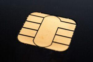 您在哪里出售全国百货公司通用的礼券?可以购买信用卡现金券